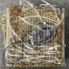 Free weaving with paper yarn on a linen warp