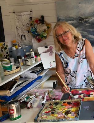 Anne paints semi abstract landscapes and uses layers of mixed media to convey her impressions