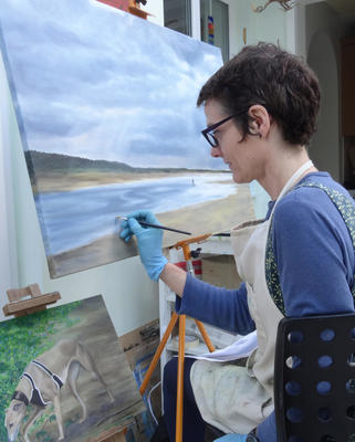I primarily paint in oils and am captivated by landscapes, birds and animals